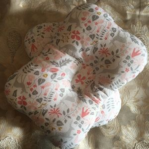 Infant Head-Shaping Pillows SET OF 2!